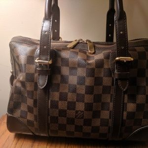 Louis Vuitton Berkeley Handbag and matching wallet
